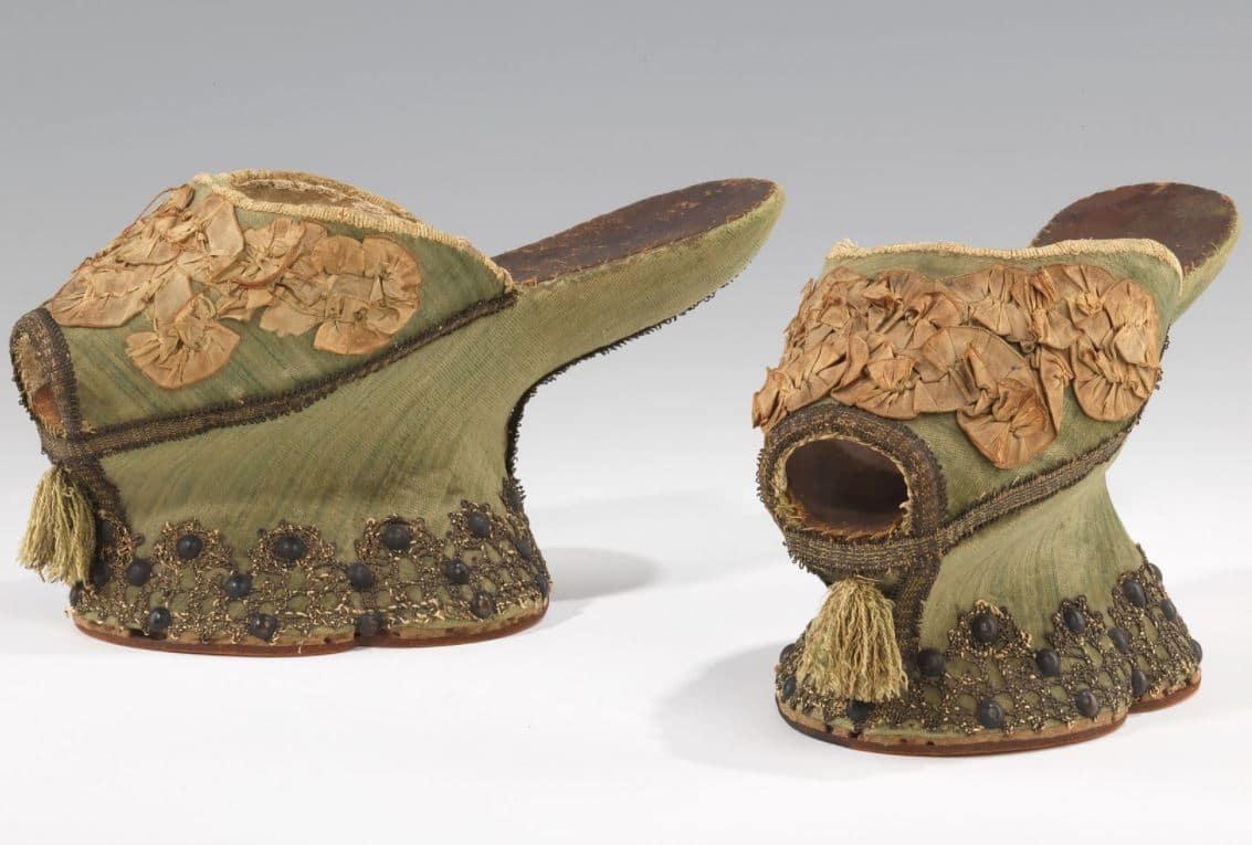 Обувките - платформи Чопини